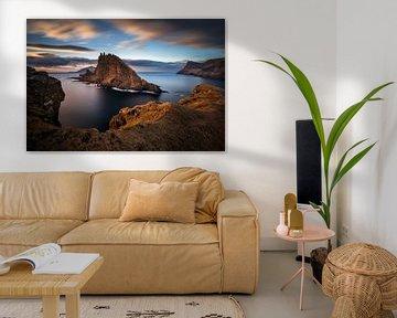 Tindholmur island sunset van Wojciech Kruczynski