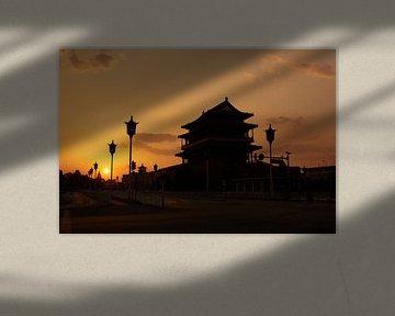 Sonnenuntergang mit Tiananmen-Platz von Jolene van den Berg