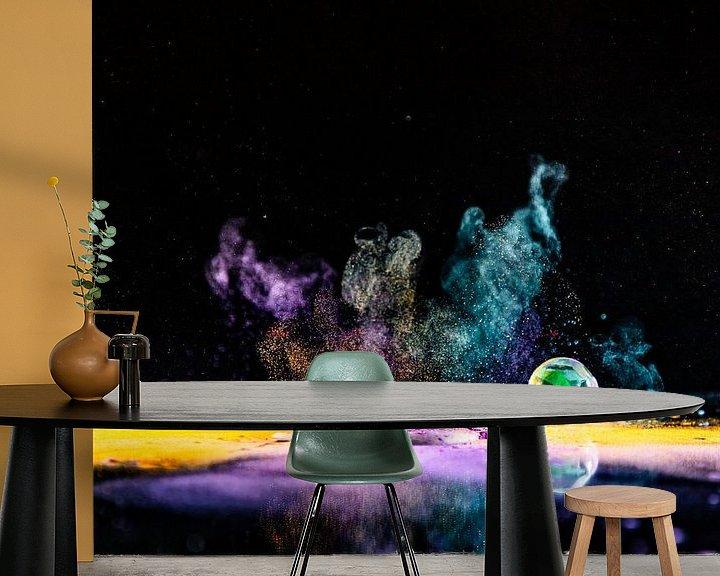 Sfeerimpressie behang: Op spattende knikker van Henry Nijen Twilhaar
