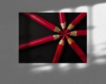 Potloden rood zwart, pencil red black, bleistifte rot schwarz, Crayons rouge noir van Evelien Brouwer