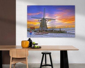 Traditionele molen op het nederlandse platteland bij zonsondergang von Nisangha Masselink