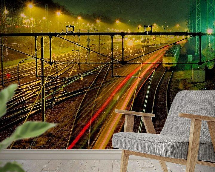 Sfeerimpressie behang: Spoorweg in Arnhem van Ronald Jansen