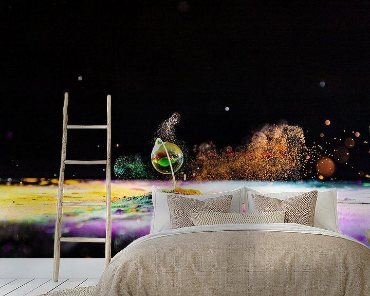 Sfeerimpressie behang: Opspattende knikker van Henry Nijen Twilhaar