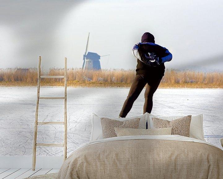 Sfeerimpressie behang: Schaatsen bij de molen op het platteland van Nederland van Nisangha Masselink