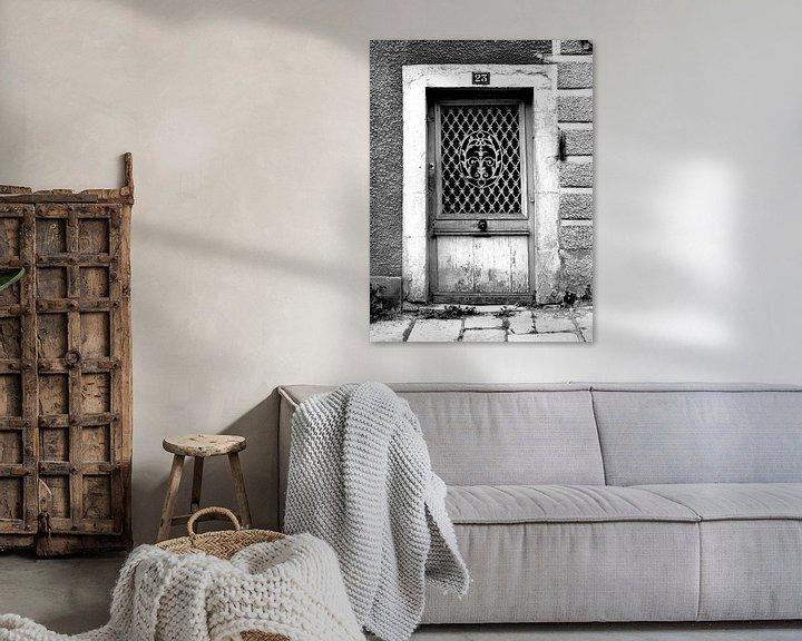 Beispiel: Alte Tür (schwarz-weiß) von Caroline Lichthart