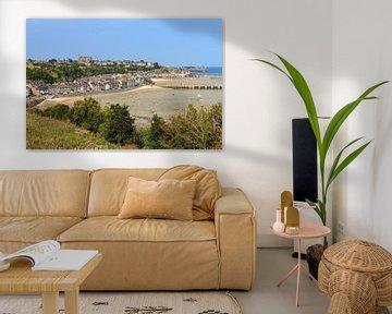 Uitzicht over Cancale in Bretagne van Dennis van de Water