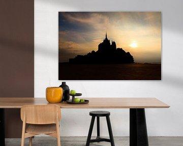 Mont Saint-Michel zonsondergang silhouet van Dennis van de Water