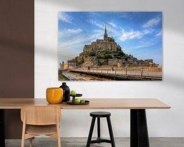 Mont Saint-Michel met blauwe lucht van Dennis van de Water