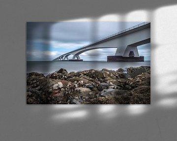 De Zeelandbrug bij laag water, Eb in de Oosterschelde van Gerry van Roosmalen