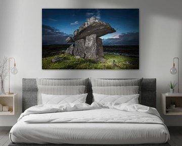 Historische tombe  in Ierland voor zonsopkomst van Michel Seelen