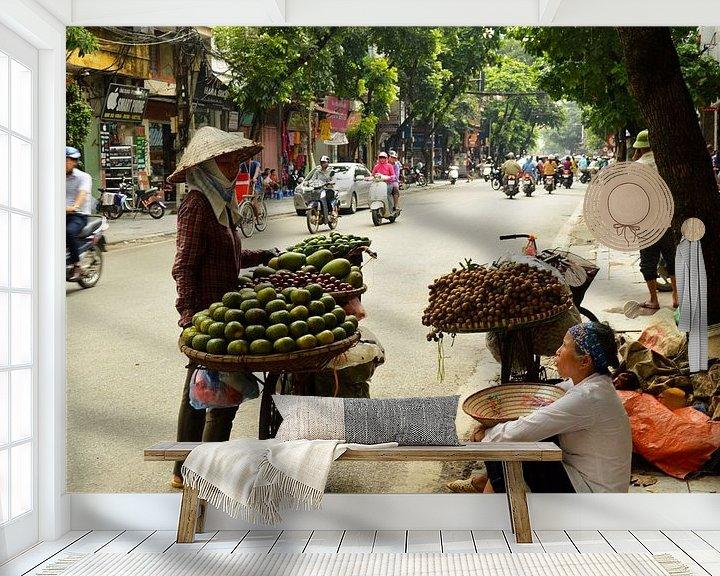 Sfeerimpressie behang: Typisch Vietnamees straatbeeld van Zoe Vondenhoff