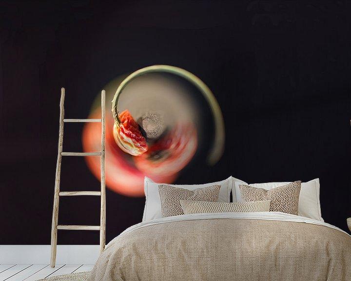 Sfeerimpressie behang: Roterende bes van Mirjam van Vooren