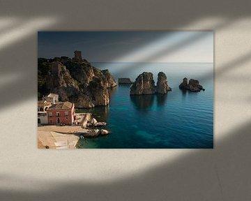 Faraglioni Felsen und Tonnara in Scopello von iPics Photography