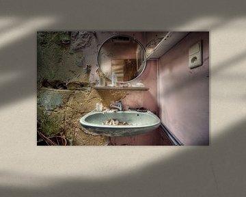 Urbex - Spiegel von Angelique Brunas