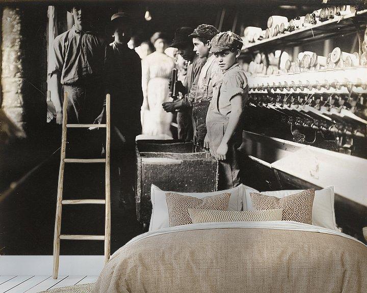 Sfeerimpressie behang: Jonge Doffers in de Elk Cotton Mills, Fayetteville, Tennessee van Vintage Afbeeldingen