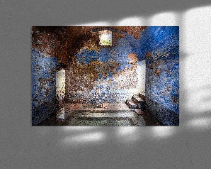 Sfeerimpressie: Verlaten Blauwe Spa. van Roman Robroek