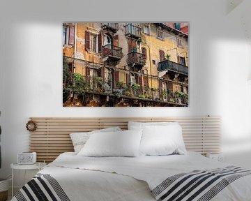 Balkons in Verona van Okko Huising - okkofoto