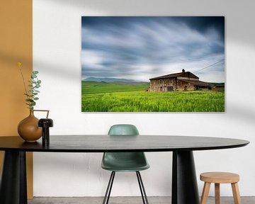 Storm over een landshuis is Toscane van Damien Franscoise