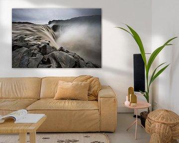 De waterval Dettifoss in Noord IJsland van Gerry van Roosmalen