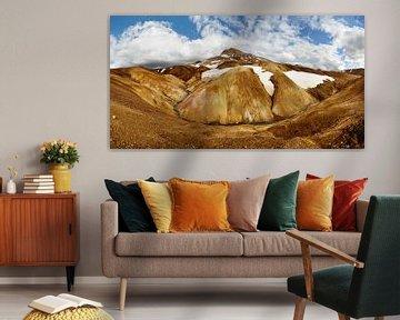 Panorama ockerfarbene Bergkette mit Schneeresten sur Ralf Lehmann