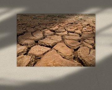 Broken Earth van Yona Photo