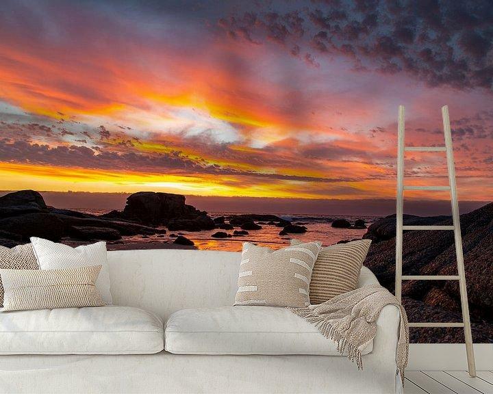 Sfeerimpressie behang: Zonsondergang Bloubergstrand Beach, Tafelberg Zuid Afrika van Willem Vernes