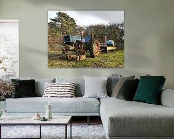 Oude tractor op volkstuin van Hendrik-Jan Deelstra