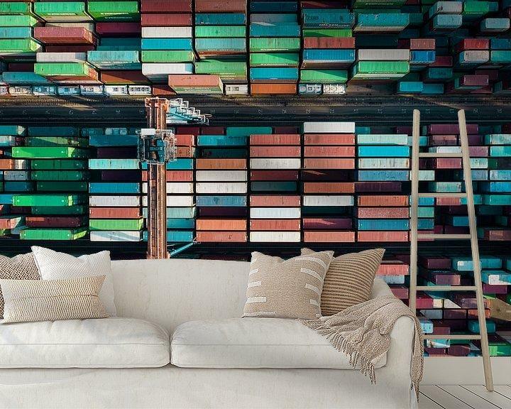 Sfeerimpressie behang: Kleurrijke Containers van Frank Maters