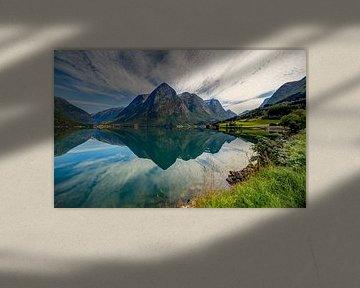 Oppstrynmeer symmetrie, Noorwegen van Adelheid Smitt