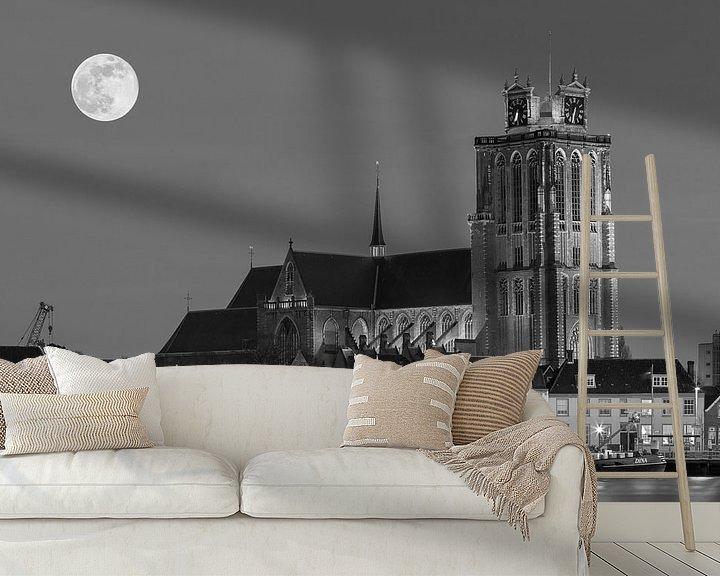 Sfeerimpressie behang: Skyline van Dordrecht bij nacht van Ilya Korzelius