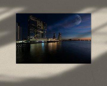Maan boven Rotterdam
