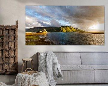 The Eilean Donan Castle at the Highlands in Scotland van Werner Dieterich