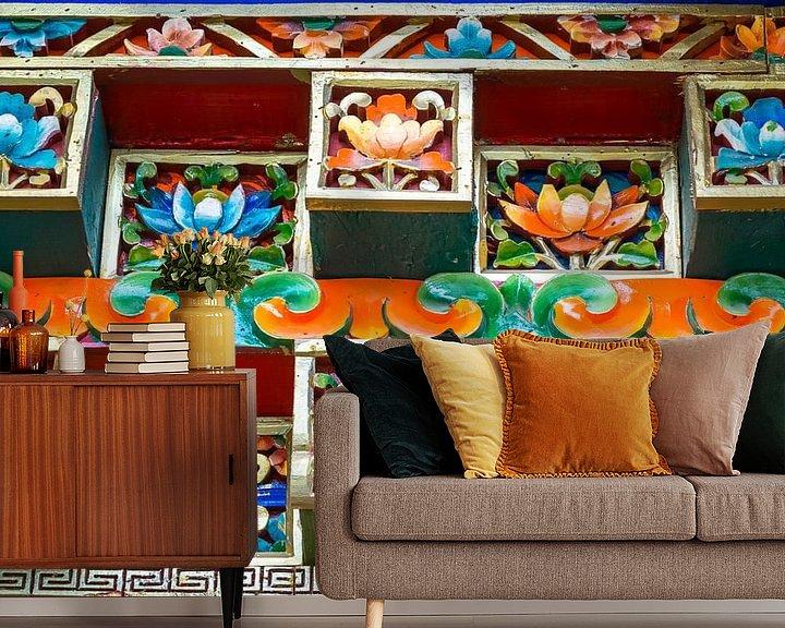 Sfeerimpressie behang: Keramische versiering in het Sera Klooster, Tibet van Rietje Bulthuis
