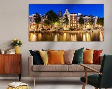 Keizersgracht in der Altstadt von Amsterdam am Abend von Werner Dieterich