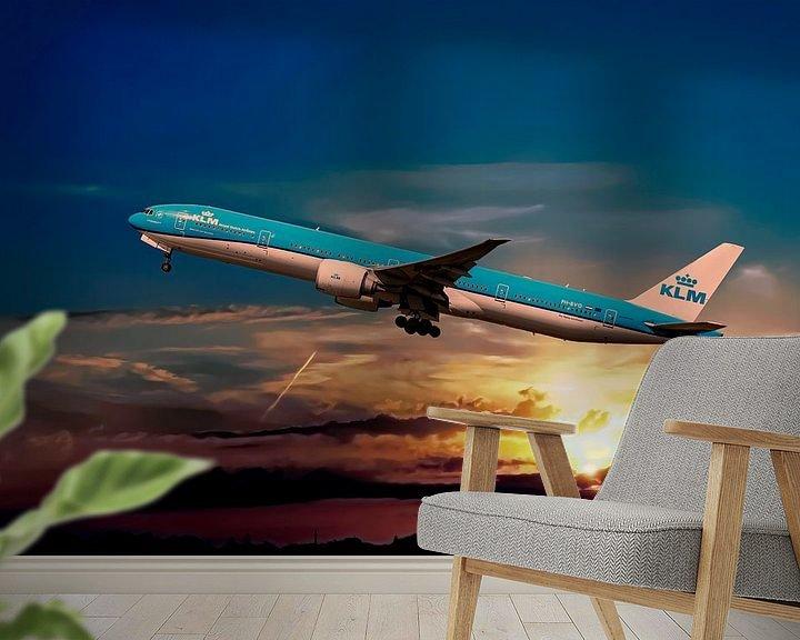 Sfeerimpressie behang: KL2020, KLM PH-BVO, Boeing 777-306(ER), Tijucana National Park van Gert Hilbink