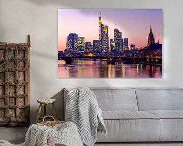 Skyline von Frankfurt bei Nacht von Werner Dieterich