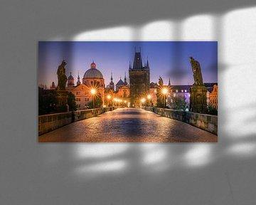 Zonsopkomst in Praag met de Karelsbrug van Henk Meijer Photography