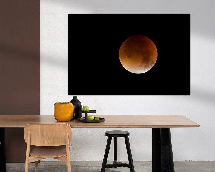Sfeerimpressie: Lunar Eclipse, Red supermoon, Blood moon, 28th September 2015. van wunderbare Erde