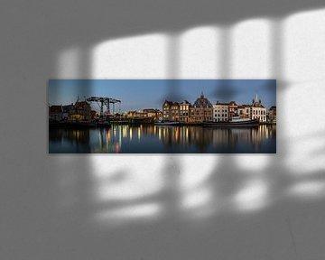 Maassluis Haven bij Nacht van Daan Kloeg