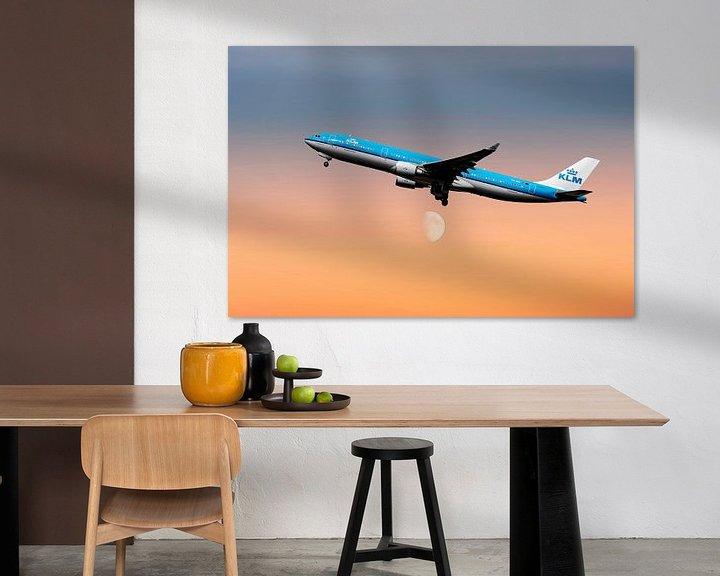 Sfeerimpressie: PH-AKE KLM Royal Dutch Airlines Airbus A330-300, KL2020. van Gert Hilbink