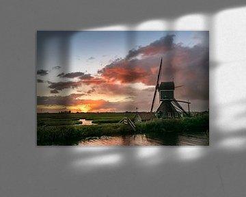 molen tijdens zonsondergang van Menno van der Haven