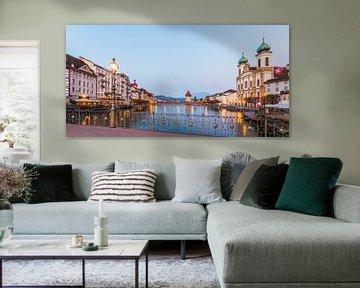 Oude stad Luzern in Zwitserland van Werner Dieterich
