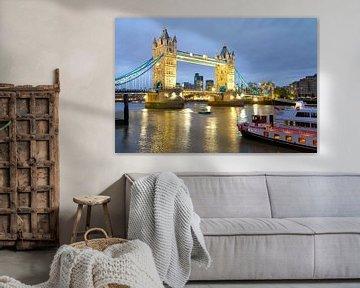 Tower Bridge in Londen van Werner Dieterich