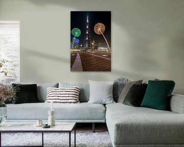 Paardenbloemen en de Burj Khalifa van Peter Korevaar