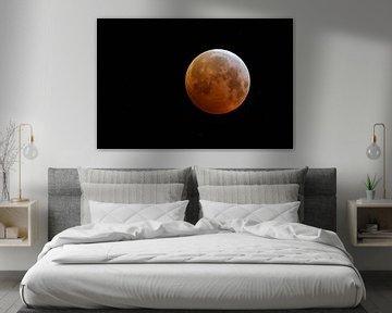 Mond, Vollmond, Mondfinsternis, Blutmond mit funkelnden Sternen, oranger Supermond, 21.01.2019 über  von wunderbare Erde