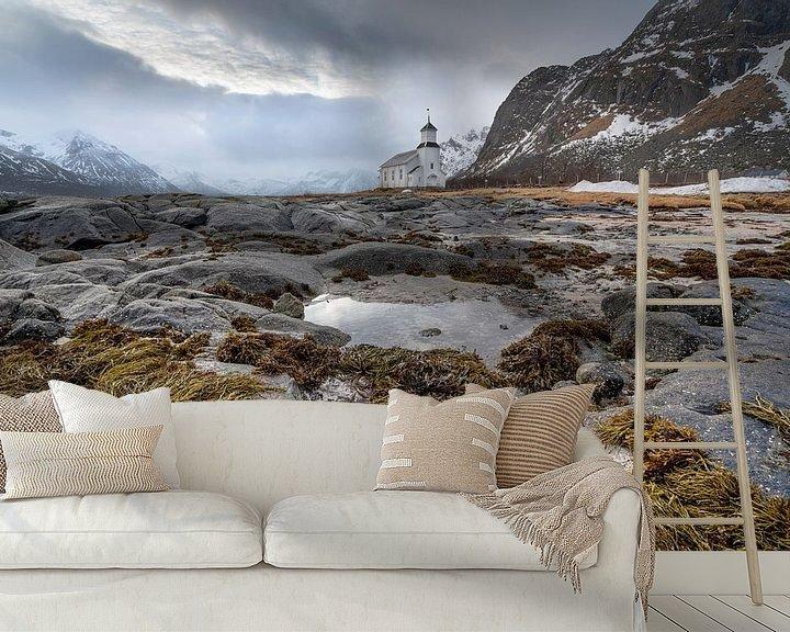Sfeerimpressie behang: White church in Gimsoysand Lofoten Norway van Ab Wubben