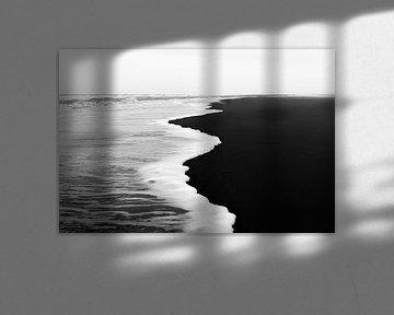 vloedlijn in zwart-wit von Annemiek Gijsbertsen