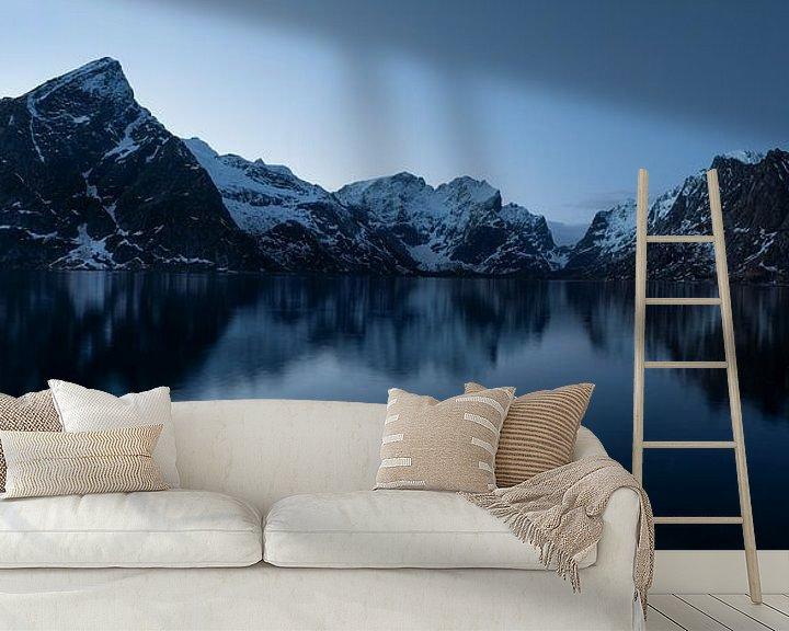 Sfeerimpressie behang: Blue hour, Nusfjord Lofoten Norway near Hamnøy van Ab Wubben