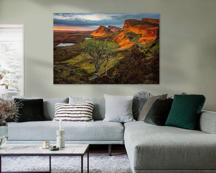 Sfeerimpressie: Zonsopkomst in een Quiraing landschap op Skye van iPics Photography