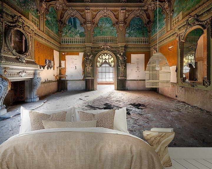 Sfeerimpressie behang: Enorme Kamer in Verlaten Villa. van Roman Robroek